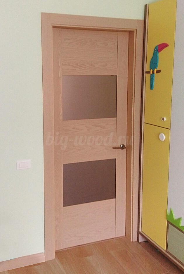 Входные дубовые двери, массив, с коробками - новые, не
