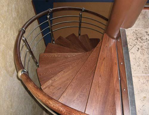 Лестница винтовая массив